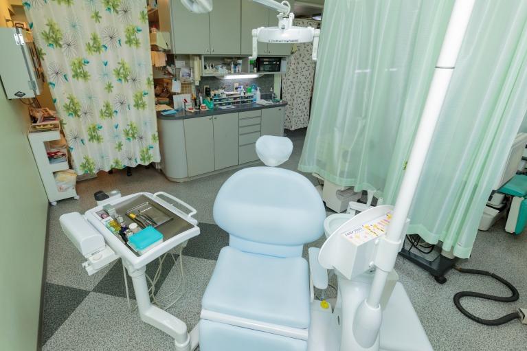 歯科医院で歯を白くする(オフィスホワイトニング)